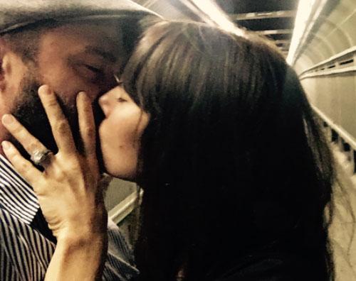 Justin Jessica Justin Timberlake festeggia il quinto anniversario con Jessica su Instagram