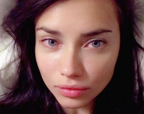 Adriana Lima Adriana Lima è stanca su Instagram