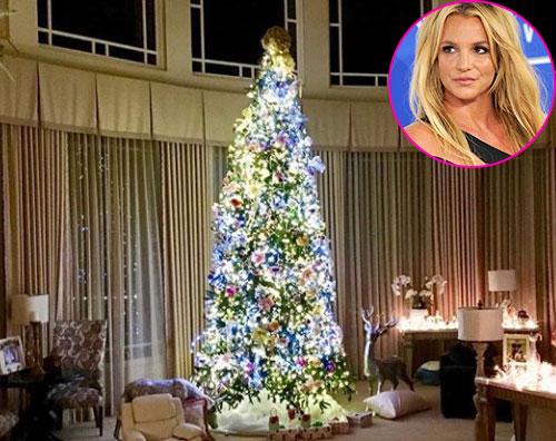 Britney Spears 1 Britney Spears ha fatto lalbero