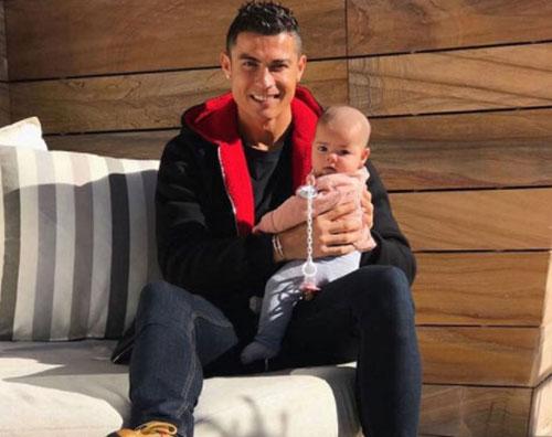 Cristiano Ronaldo 2 Cristiano Ronaldo coccola Eva su Instagram