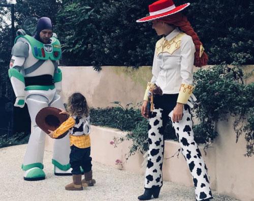 Justin Timberlake Jessica Biel Silas Timberlake La famiglia Timberlake si ispira a Toy Story per Halloween
