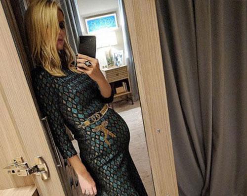 Nicky Hilton Nicky Hilton, il pancino cresce