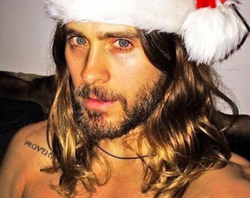 Jared Leto Jared Leto è un sexy Babbo Natale