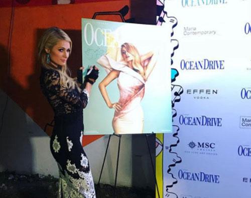 Paris Hilton 1 1 Paris Hilton è un fiore su Ocean Drive