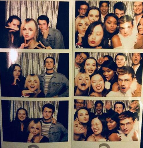 """Selena Gomez Selena Gomez fa festa col cast di """"Tredici 2"""""""