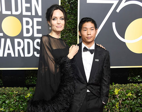 Angelina Golden Globes 2018: il red carpet