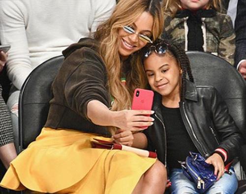 Beyonce Beyonce e Blue Ivy sono due gocce dacqua