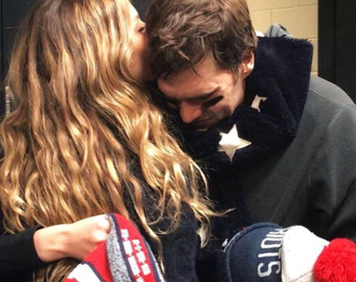 Gisele Tom Brady Gisele Bundchen consola Tom Brady dopo la sconfitta