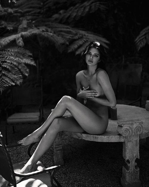 Kendall Kendall Jenner senza veli su Instagram