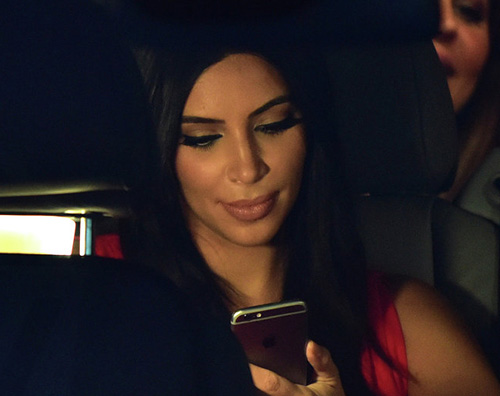 "Kim K Kim Kardashian chiede pareri su ""This Is Us"""