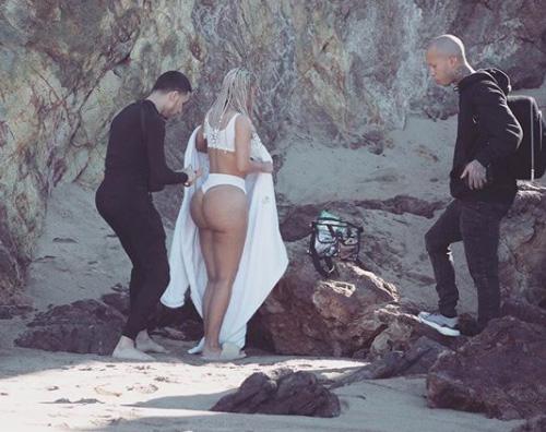 Kim Kardashian 1 Kim Kardashian, lato B in mostra su Instagram