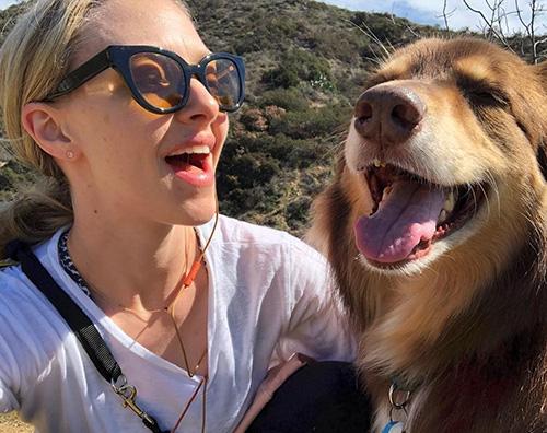 Amanda Seyfried Passeggiata sotto il sole per Amanda Seyfried