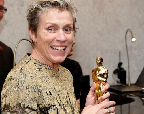 Frances Frances McDormand, un uomo ha tentato di rubare il suo Oscar