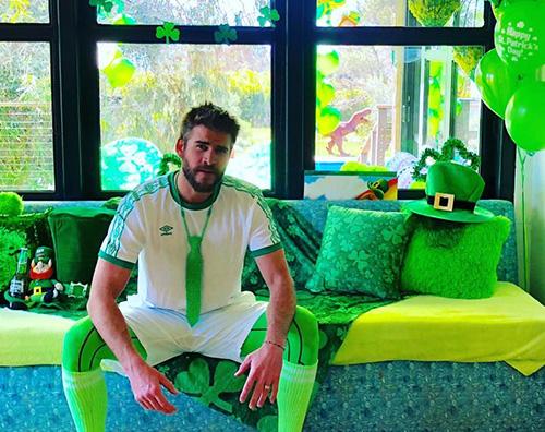 Liam Hemsworth 1 Liam Hemsworth festeggia San Patrizio