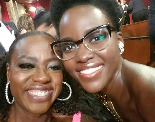 Lupita Nyongo Viola Davis Lupita Nyong'o e Viola Davis, selfie tra colleghe