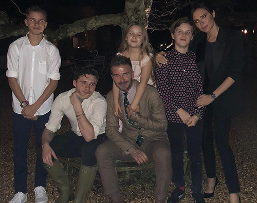 Beckham 2 I Beckham, auguri a Victoria per la festa della mamma