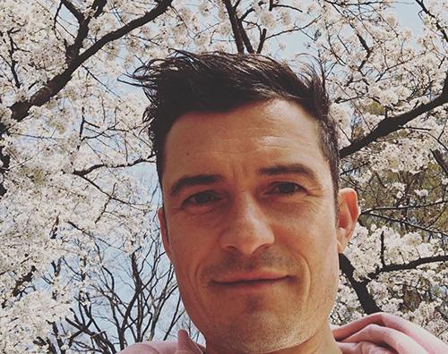 POrlando Bloom Orlando Bloom sotto i ciliegi giapponesi