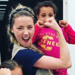 Amber Heard 6 150x150 Amber Heard in Siria con SAMS