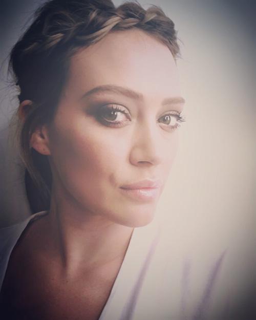 Hilary Duff Hilary Duff, hairstyle romantico su Instagram