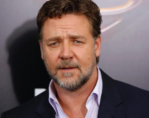 Russell Crowe Russell Crowe, all'asta i suoi beni per pagare il divorzio