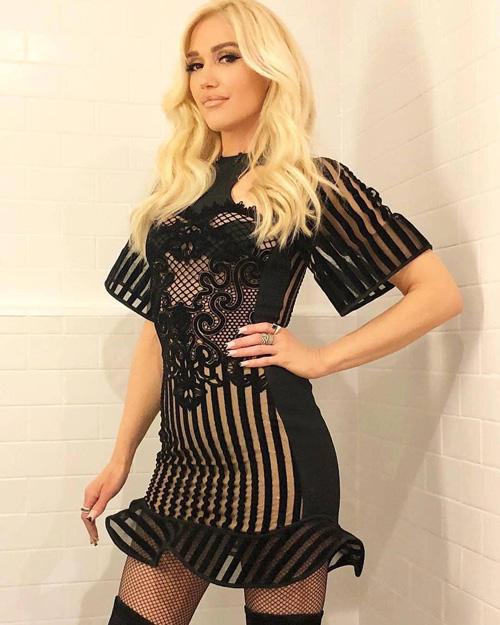 gwen stefani 1 Gwen Stefani calze a rete e trasparenze per Jimmy Kimmell