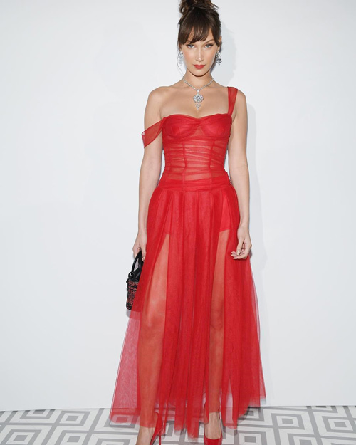 Bella Hadid 1 Bella Hadid ancora in rosso a Cannes