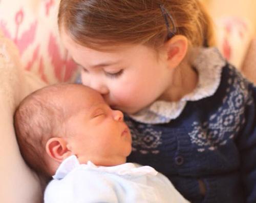Royal Baby 2 Royal Babies: Charlotte coccola Luis