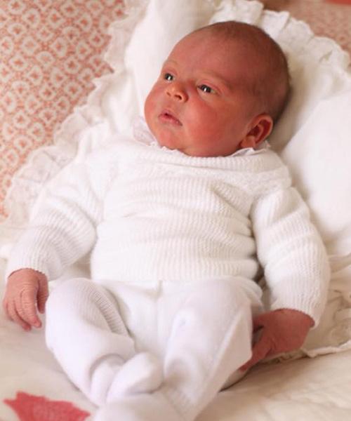 Royal Baby Royal Babies: Charlotte coccola Luis