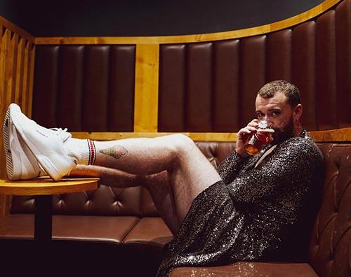 Sam Smith 1 Sam Smith, abito scinillante per il suo 26esimo compleanno
