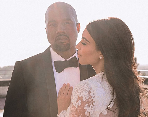 Kim e Kanye Kim Kardashian conferma la notizia del quarto figlio