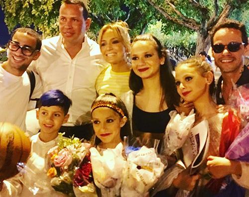 LO 2 Jennifer Lopez e la sua famiglia allargata su Instagram