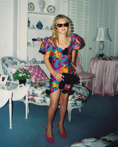 Cabina Armadio Paris Hilton.Paris Hilton Da Bambina Con Gli Abiti Di Mamma Kathy Gossip
