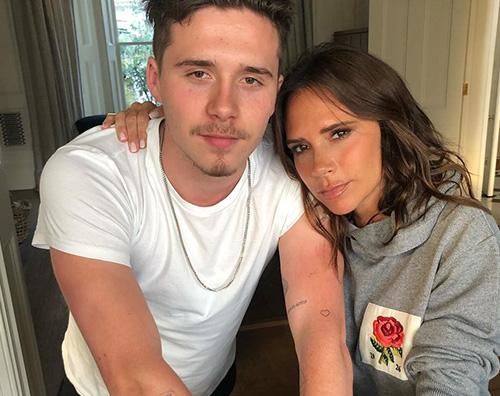 Victoria Beckham Victoria Beckham commenta il nuovo look di Brooklyn su Instagram