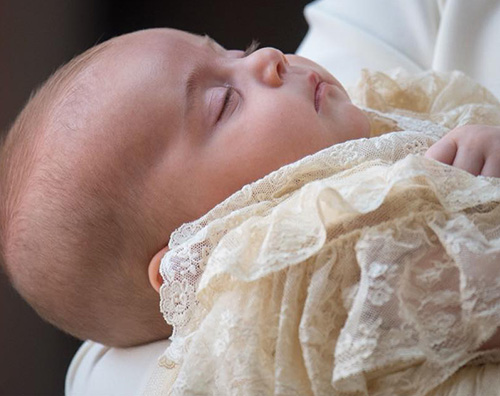 Battesimo 3 Le foto del battesimo del principino Louis