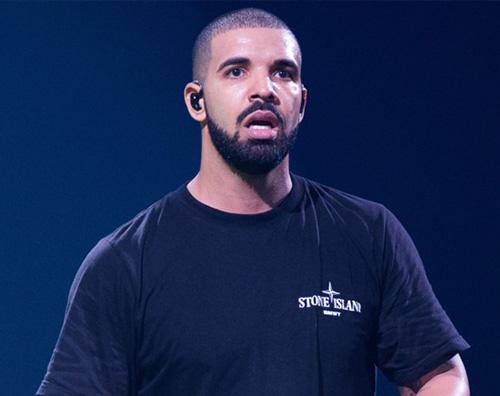 Drake Drake senza maglietta su Instagram Storie