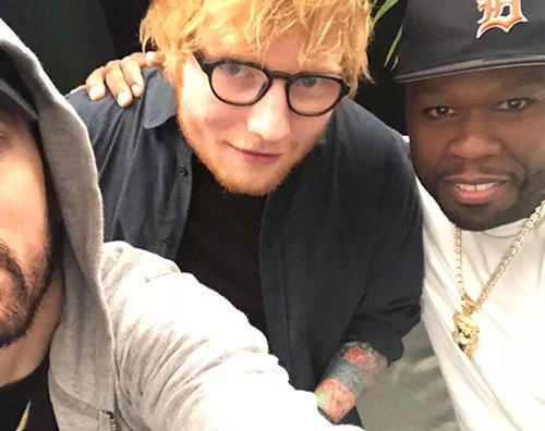 Eminem Ed Sheeran 50 CENT Il selfie leggendario di Eminem, Ed Sheeran e 50 Cent