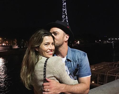 Justin Timberlake Jessica Biel Justin Timberlake e Jessica Biel romantici a Parigi
