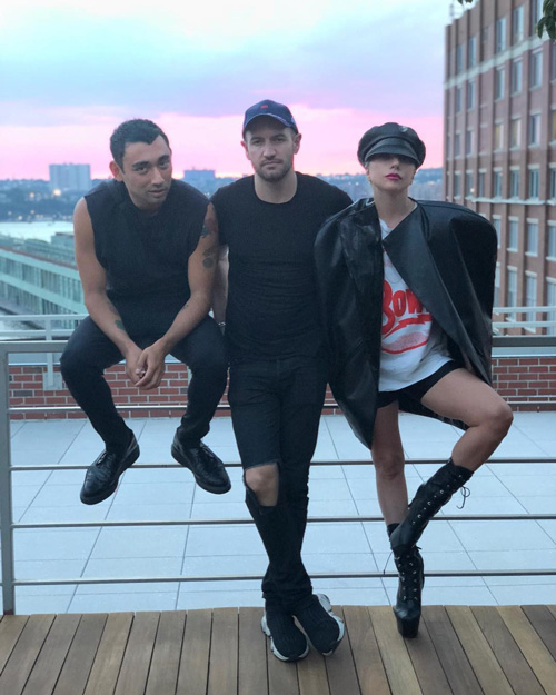 Lady 1 Lady Gaga a New York con i suoi amici
