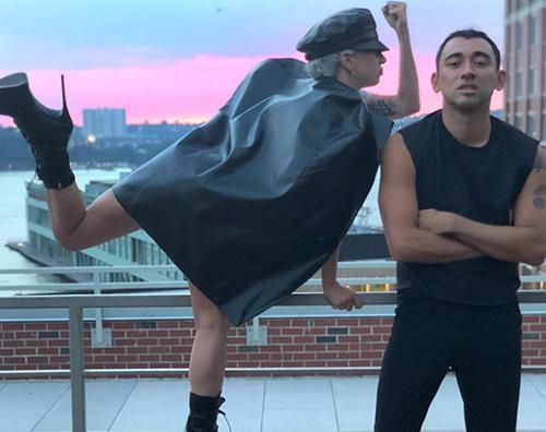 Lady 2 Lady Gaga a New York con i suoi amici