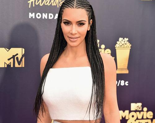 """Kim Kardashian cover Kim Kardashian: """"Ho votato per mio figlio"""""""