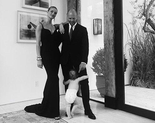 Famiglia Statham Jason Statham e Rosie Huntington Whiteley con Jack su Instagram