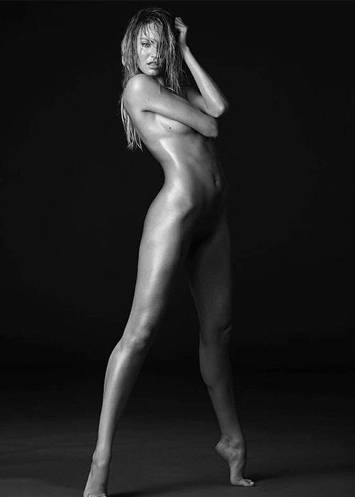 Candice Swanepoel Candice Swanepoel completamente senza veli su Instagram