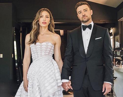 Justin Jessica Emmy 2018 cover TheGossipers Jessica Biel e Justin Timberlake bellissimi agli Emmy 2018