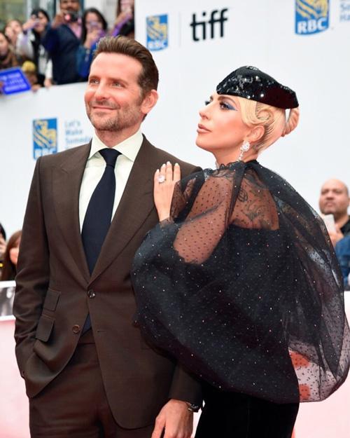 Lady Gaga Bradley Cooper Lady Gaga e Bradley Cooper incantano Toronto