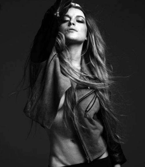 Lindsay Lohan Lindsay Lohan sfodera il suo lato sexy su Instagram