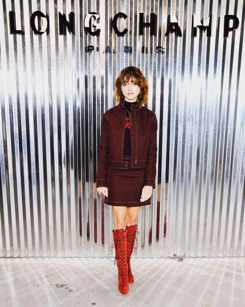 Natalia Dyer 2 Natalia Dyer in bordeaux alla New York Fashion Week