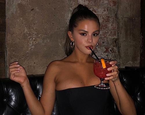 Selena Gomez 1 Indovina la nail art