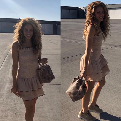 Shakira Shakira, look anni '90 a San Diego