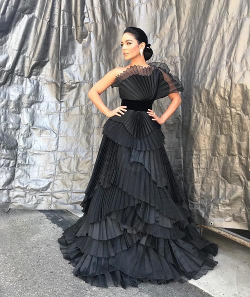 Vanessa Hudgens Vanessa Hudgens elegantissima per la finale di Dance On Fox