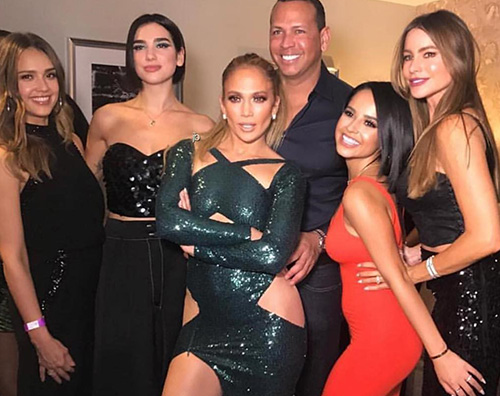 jLo Jennifer Lopez, lo show a Las Vegas raccoglie il consenso delle donne famose